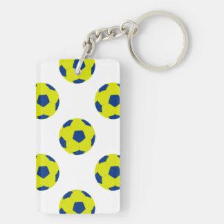 Modelo amarillo y azul del balón de fútbol llavero rectangular acrílico a doble cara