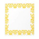 Modelo amarillo y blanco 2 del damasco del vintage blocs de notas