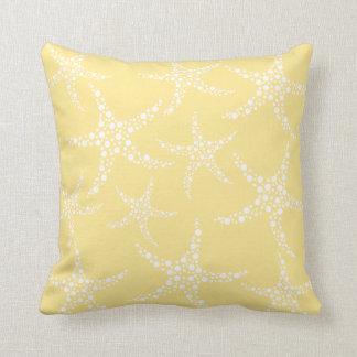 Modelo amarillo y blanco de Sandy de las estrellas Cojín Decorativo