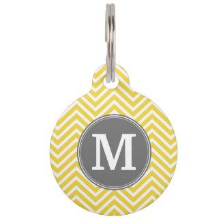 Modelo amarillo y gris de Chevron con el monograma Placas De Mascota