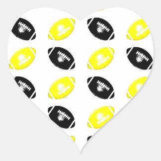 Modelo amarillo y negro brillante del fútbol pegatina en forma de corazón