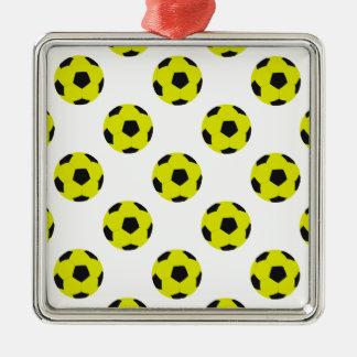 Modelo amarillo y negro del balón de fútbol adorno navideño cuadrado de metal