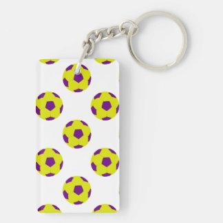 Modelo amarillo y púrpura del balón de fútbol llavero rectangular acrílico a doble cara