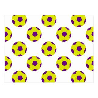 Modelo amarillo y púrpura del balón de fútbol postal