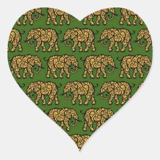 Modelo amarillo y verde del elefante que remolina pegatina corazón