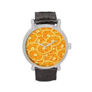 Modelo anaranjado cortado