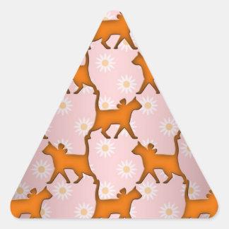Modelo anaranjado de la silueta del gato pegatina triangular