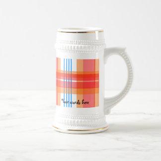 Modelo anaranjado de la tela escocesa taza