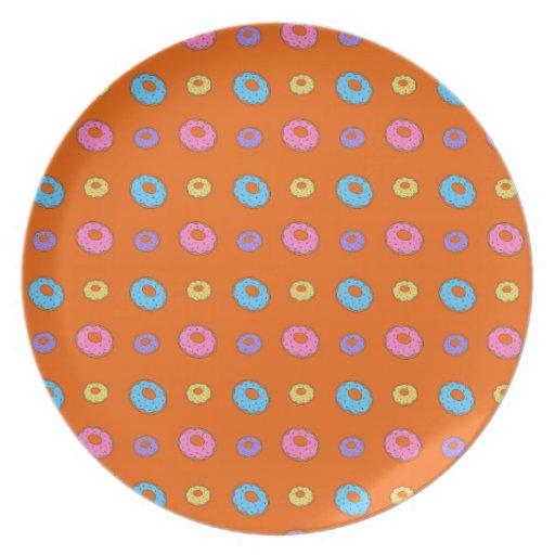 Modelo anaranjado del buñuelo platos de comidas