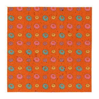 Modelo anaranjado del buñuelo posavasos