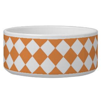 Modelo anaranjado en colores pastel del tablero de tazón para perro