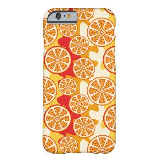 Modelo anaranjado funda barely there iPhone 6