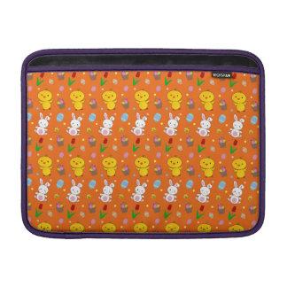 Modelo anaranjado lindo de pascua de la cesta del  funda macbook air