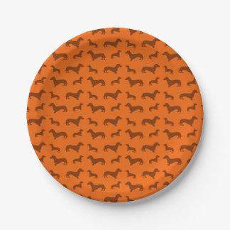Modelo anaranjado lindo del dachshund plato de papel de 7 pulgadas