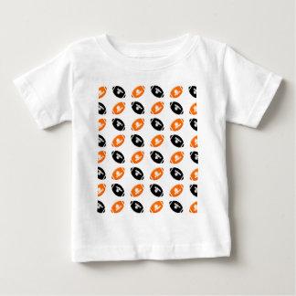 Modelo anaranjado negro y brillante del fútbol playeras