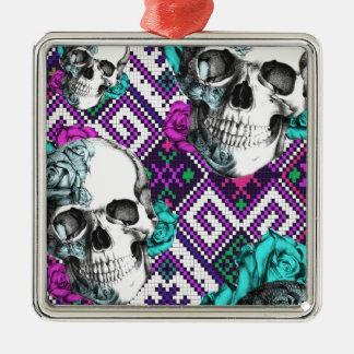 Modelo azteca colorido del pixel con los cráneos c adorno de navidad