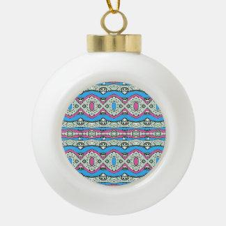 Modelo azteca del estilo en colores en colores adorno de cerámica en forma de bola