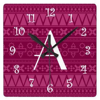 Modelo azteca púrpura del ciruelo del monograma reloj