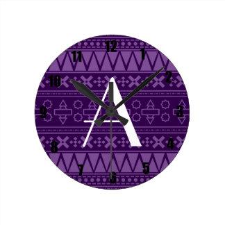 Modelo azteca púrpura del monograma reloj