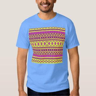 Modelo azteca tribal rosado amarillo de neón de playera