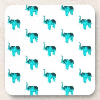 Modelo azul claro del elefante posavasos de bebida