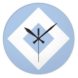 Modelo azul claro y blanco del diamante reloj