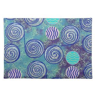 Modelo azul de los círculos del teñido anudado mantel individual