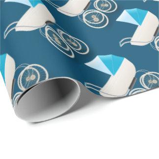 Modelo azul de los cochecitos del vintage del bebé papel de regalo