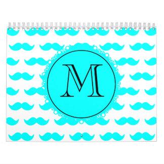 Modelo azul del bigote de la aguamarina, monograma calendario de pared
