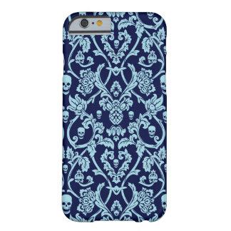 Modelo azul del damasco del cráneo funda barely there iPhone 6