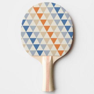 Modelo azul del triángulo del naranja que pone en pala de tenis de mesa