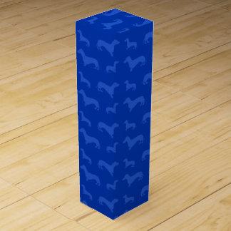 Modelo azul lindo del dachshund caja de vino
