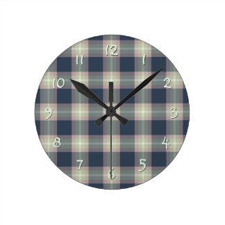 Modelo azul marino de la tela escocesa de la verde reloj redondo mediano