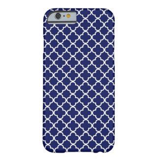 Modelo azul marino de Quatrefoil Funda De iPhone 6 Barely There