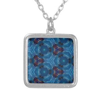 Modelo azul rico moderno del fractal collar plateado
