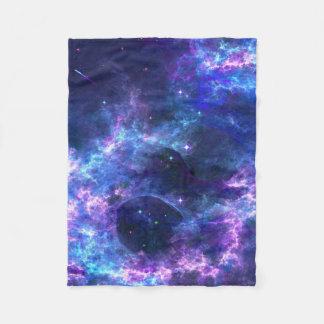 Modelo azul rosado colorido de la nebulosa de la manta de forro polar