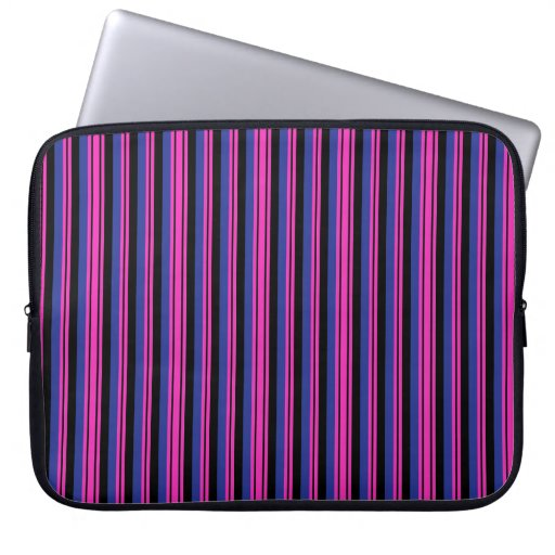 Modelo azul rosado femenino de las rayas negras manga computadora