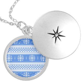 Modelo azul y blanco del copo de nieve del pendiente