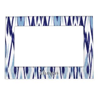 Modelo azul y blanco elegante del ikat de la marcos magnéticos de fotos