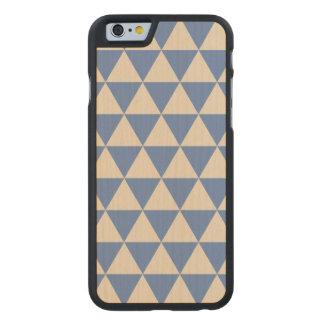Modelo azul y color crema del triángulo funda de iPhone 6 carved® slim de arce