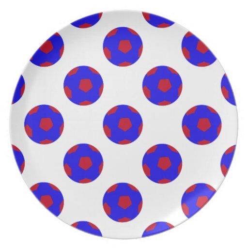 Modelo azul y rojo del balón de fútbol platos para fiestas