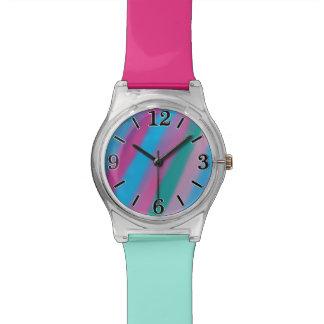 Modelo azulverde rosado de neón de las rayas relojes