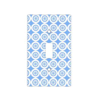 Modelo blanco azul claro moderno de los círculos tapas para interruptores