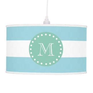 Modelo blanco azul de las rayas, monograma de la v