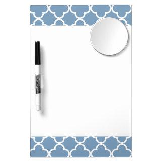 Modelo blanco azul del marroquí de Quatrefoil de Pizarras