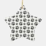 Modelo blanco de la impresión de la pata del perro ornamento para arbol de navidad
