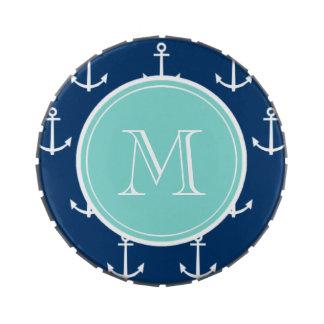 Modelo blanco de las anclas de los azules marinos, latas de dulces