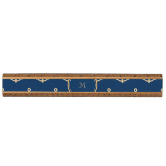 Modelo blanco de las anclas de los azules marinos