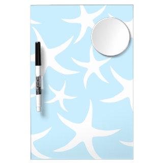 Modelo blanco de las estrellas de mar en azul clar pizarra