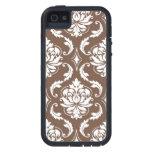 Modelo blanco femenino del damasco de Brown iPhone 5 Case-Mate Carcasas